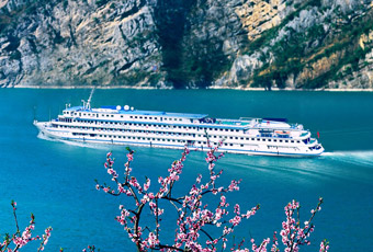 Attractions Along Yangtze River