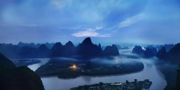 li river at night