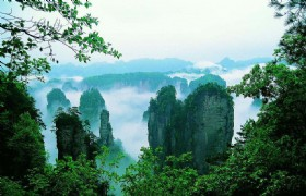 Natural Zhangjiajie and Fenghuang 6 Days Tour
