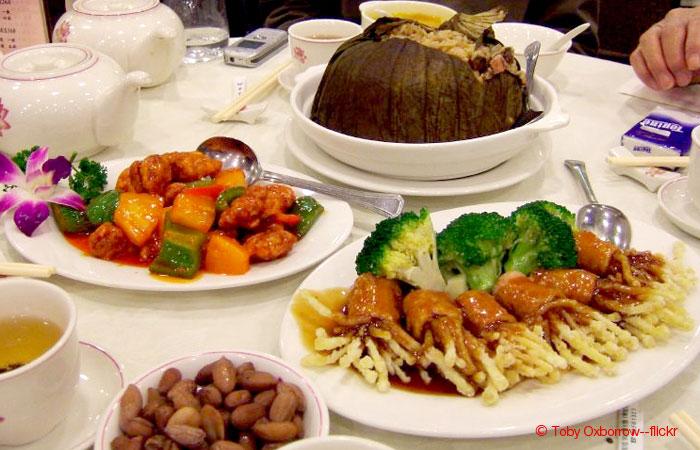 5-Day Hong Kong and Shenzhen Gourmet Muslim Tour with Disneyland