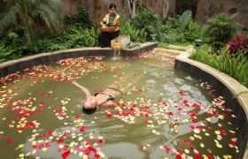 Sanya Nantian Hot Spring Resort One Day Tour