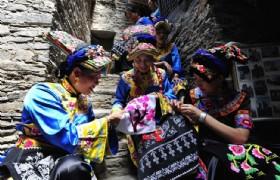 Chengdu Daocheng Yading Fantastic 9 Days Tour by Western Bus