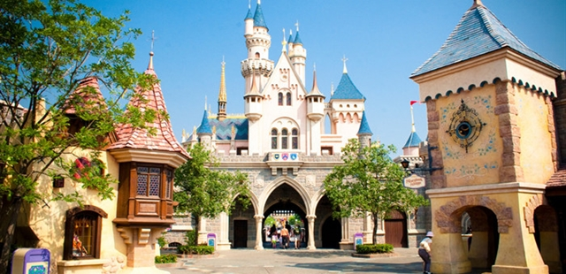 Hong Kong Disneyland Expansion