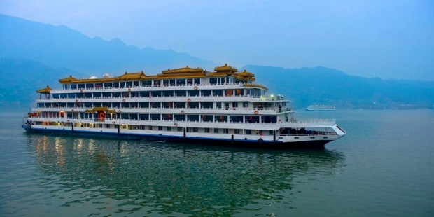 14-Day Beijing Xian Chengdu Yangtze Cruise Shanghai Group Tour