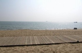 Waterfront plank near Ziyuhuan road