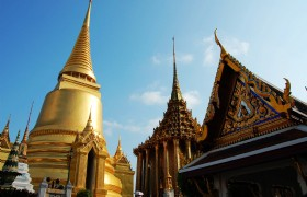 Royal Grand Palace and Emerald Bu…