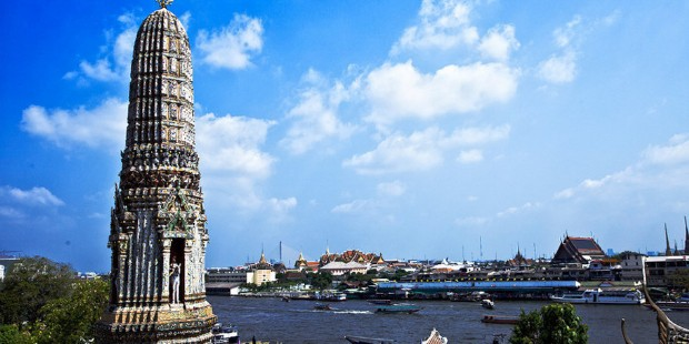Temple of Reclining Buddha, Temple of Dawn (Wat Arun) & Canal One Day SIC Tour