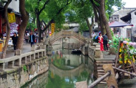 Essence of Shanghai & Suzhou & Hangzhou 5 Days Join in Group Tour