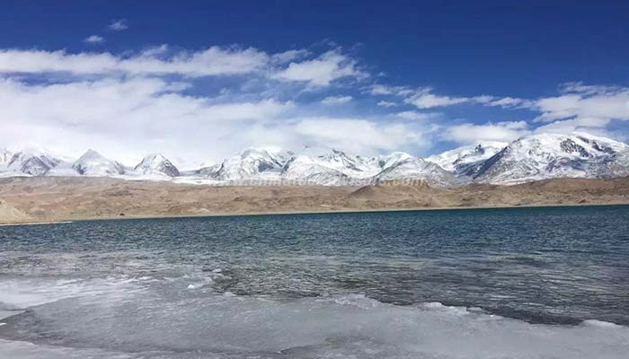 Karakul-Lake.jpg
