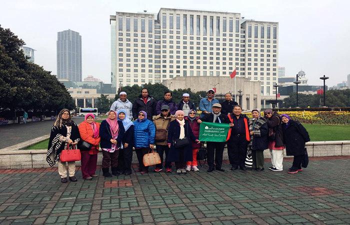 Beijing-Shanghai-8Days-Tour-Shanghai-People's-Square.jpg