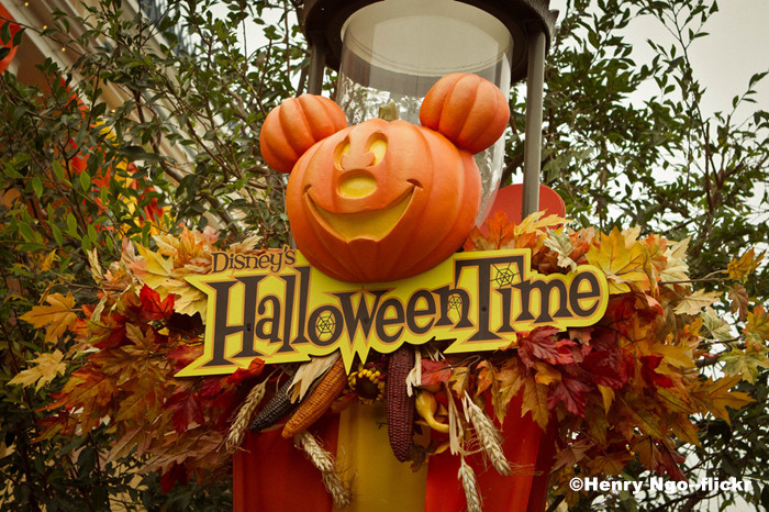 "Hong Kong Disneyland Wicked ""Halloween Time"" Starts"