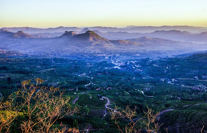 Yimeng Mountain.jpg
