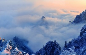 huangshan golden peak in winter