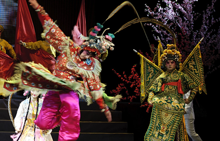 Beijing Night Tour- Peking Opera with Transfer