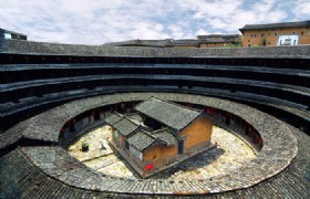 Hakka Tulou Houses and Xiamen Quanzhou 5 Days Tour