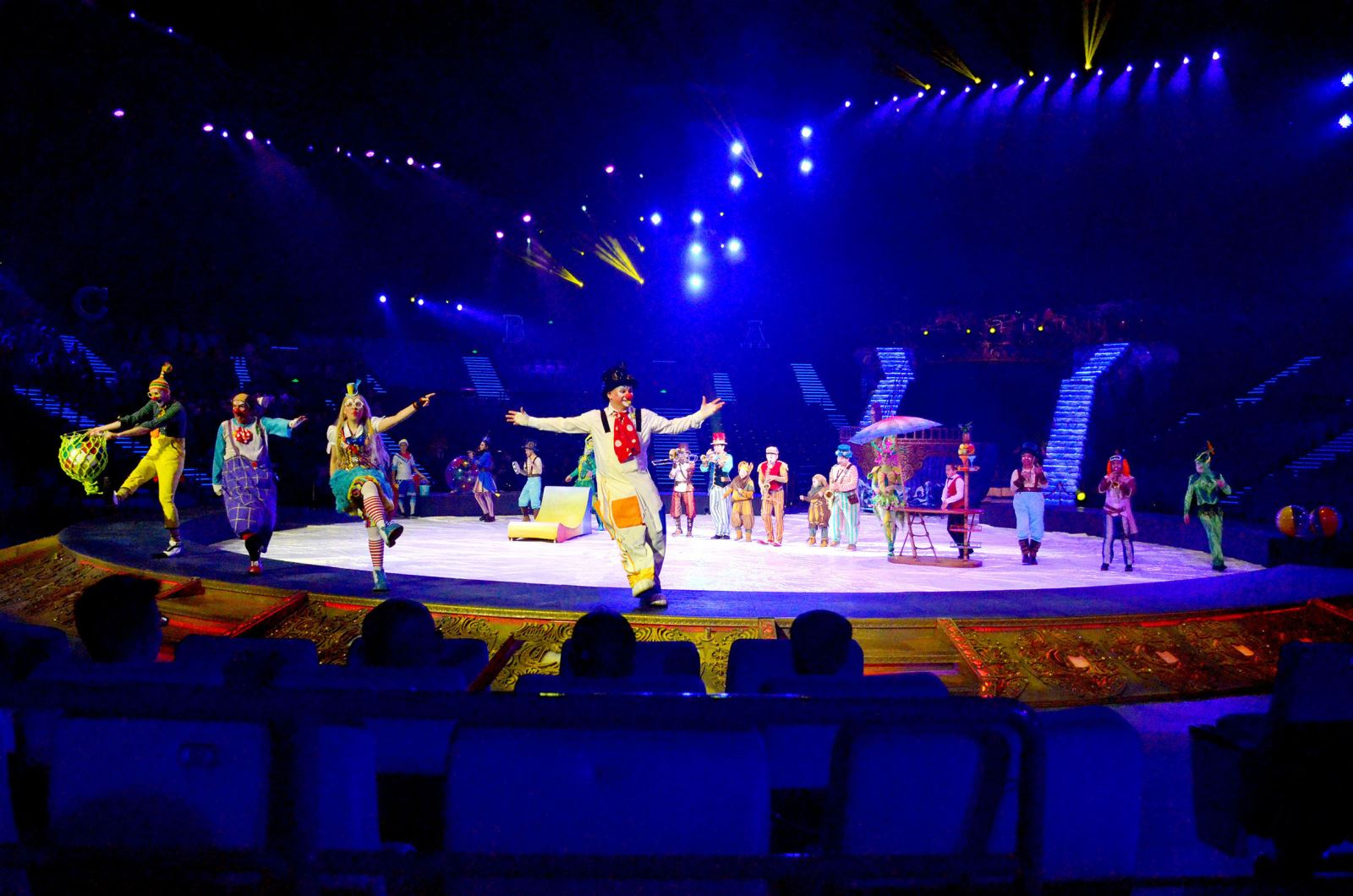 Zhuhai Chimelong Hengqin Theatre Circus Evening Tour with round transfers