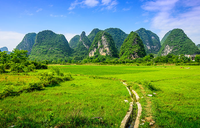Hiking from Yangdi to Xingping Town
