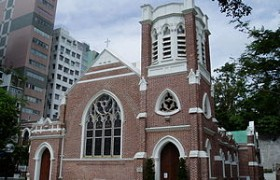 Walking Tour of Hong Kong History Museum and St Andrew's Church