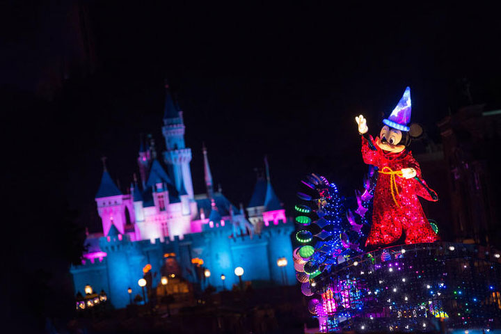 Hong Kong and Disneyland 4 Days Tour