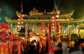 Tin Hau Festival Tour in Hong Kong