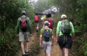 hiking in Dapeng Peninsula