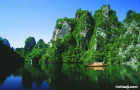 Zhangjiajie, Phoenix Town & Three Gorges Tour 10 Days