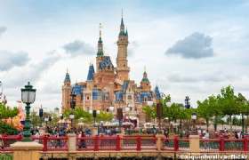 5 Day Shanghai Disneyland Suzhou and Hangzhou Muslim Tour