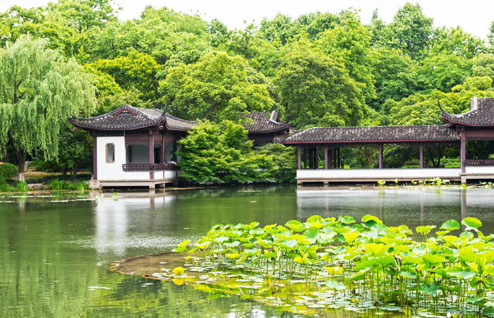Shanghai Hangzhou and Wuzhen Romance Combo 5 Days Tour
