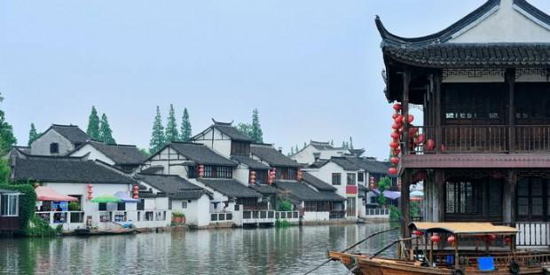 Shanghai Memories and Zhujiajiao Ancient Water Town 4 Days Tour