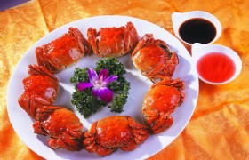 Steamed Chinese Mitten Crabs