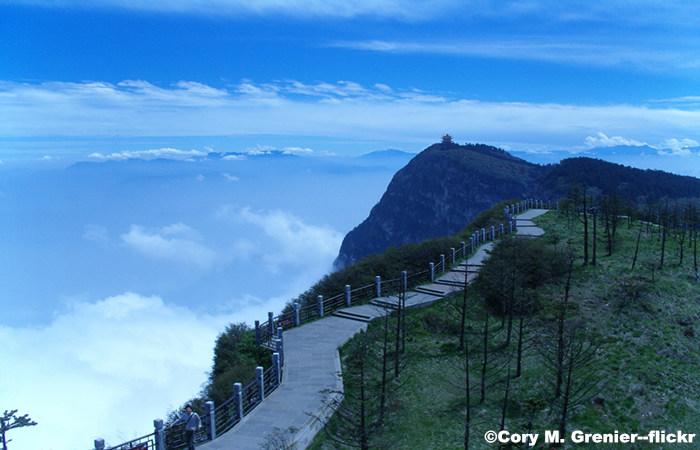 Chengdu, Leshan and Emei Mountain 4 Days Tour