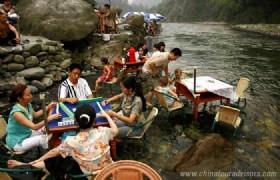 Play Mahjong at Hongkou