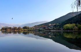 Qiong Lake