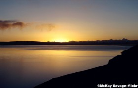 Sunrise over Namtso Lake4