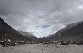 Tent_village_at_Everest_Base_Camp_Tibet