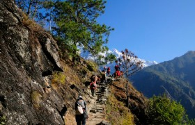 Tiger Leaping Gorge trekking