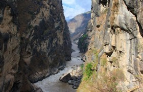 Lijiang Tiger Leaping Gorge 3
