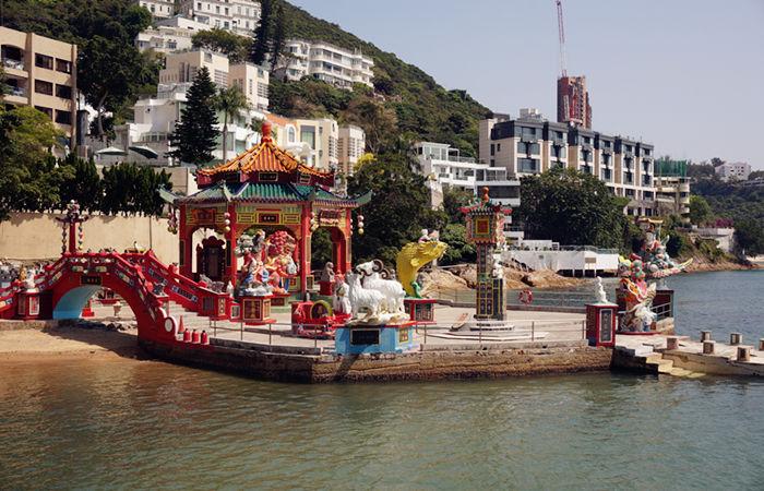 A Warm Getaway This Winter to Hong Kong's Repulse Bay