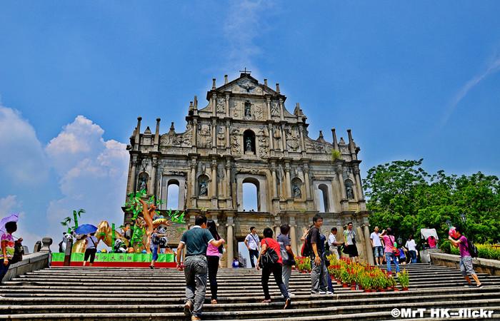 Visiting Ruins of St.Paul's in Macau