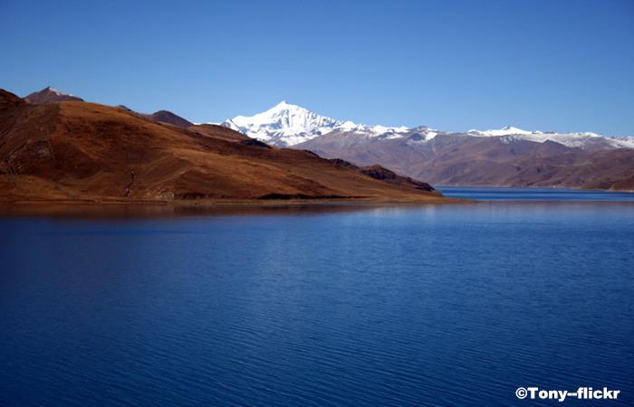 Yambdrok Lake -- The Heaven Wonderland