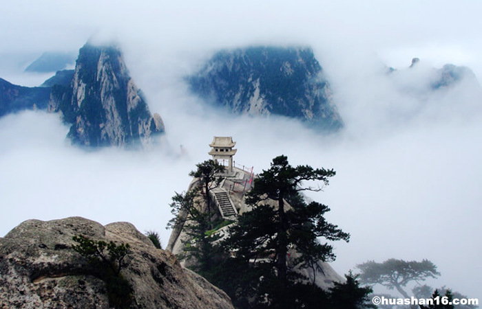 Stroll the Cultural Xian and Appreciate the Adventurous Mount Huashan in Winter