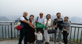 7 Days Guilin and Yangshuo Tour - Guests at Yao Mountain of Guilin
