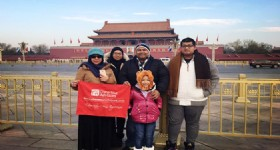 Beijing, Shanghai and Guangzhou Tour - Visitors in Beijing