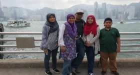 4 Days Hong Kong Tour - 4 Visitors at Hong Kong Victoria Harbour