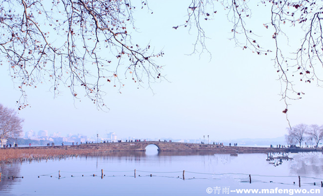 The-Spring-Dawn-at-Su-Causeway1.jpg