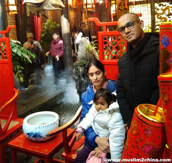 10Days-Beijing-Hong-Kong-Chengdu-Shanghai-Tour2.jpg