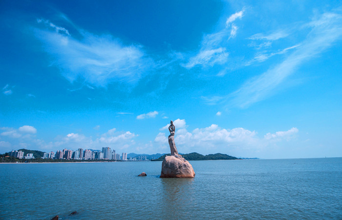 Zhuhai-City-Fisher-Girl-Statue.jpg
